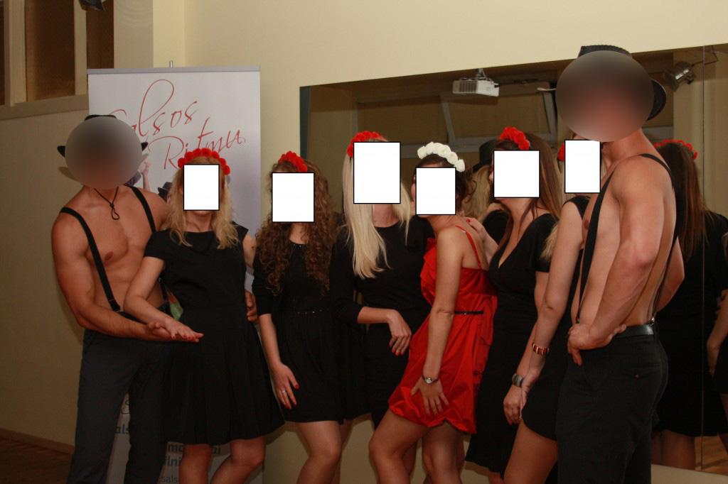 Striptizo pamoka mergvakariui Vilniuje
